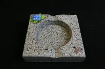 100240513 Cinzeiro basalto grande hortênsia